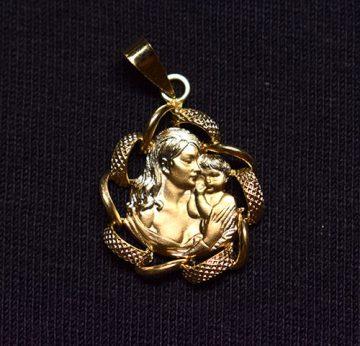Colgante de oro de ley con un niño en brazos de la madre.