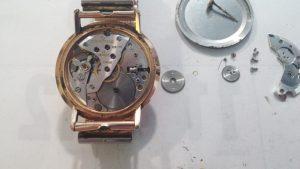Desmontado el reloj cuerda mecánico 17 rubís 2